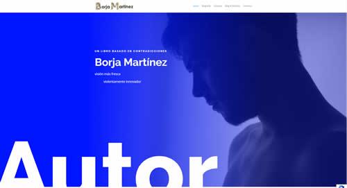 Borja Martínez: Navidad convertida en pijama. Me encanta escribir con la barbilla pegada en la libreta, Absorbiendo cada mota de tinta que desprende mi Alma.